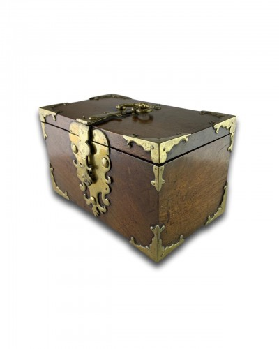 A wood and brass coffre fort.Late 17th century - Curiosities Style Louis XIV