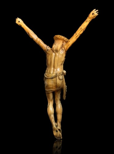 - A Goa ivory Christ.17th century