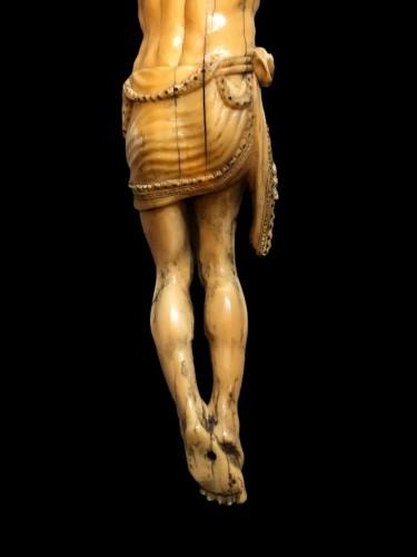 Antiquités - A Goa ivory Christ.17th century