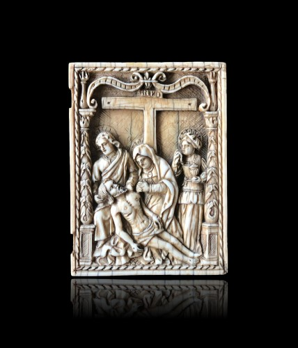 Ivory plaque of a diptych.The Descent from the Cross.Early 16th century. - Religious Antiques Style Renaissance