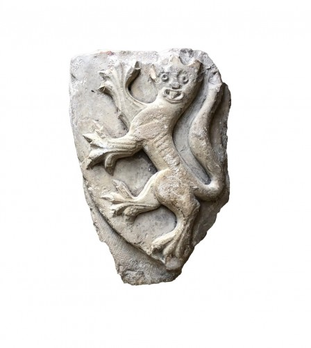 Stone fragment with a Heraldic Leopard. 15th century.