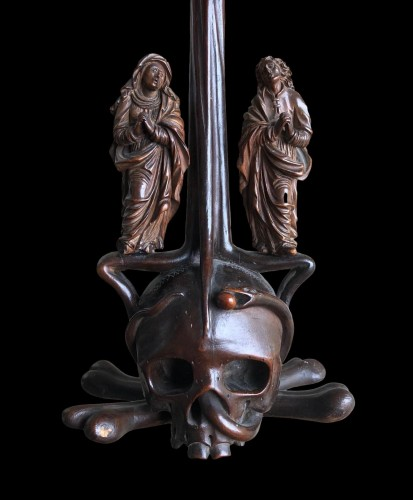 Antiquités - A German boxwood Crucifix. 17th century.