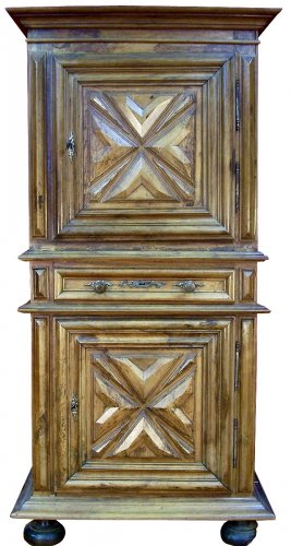 Buffet ancien antiquit s anticstore for Homme debout meuble