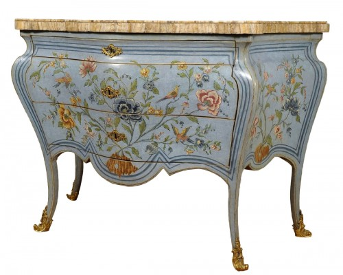 Very Important lacquered chinoiserie commode, Roma, mid 18th century
