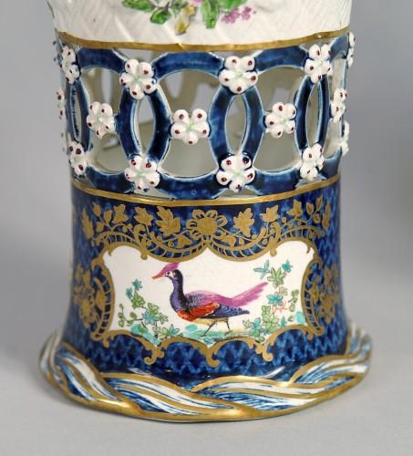 Set of heigh glazed terracotta basket vases, England, end XIX century  - Porcelain & Faience Style Napoléon III