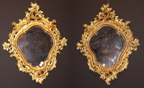 Paire of carved and giltwood italian mirrors, Genoa, half 18th century  - Mirrors, Trumeau Style Louis XV