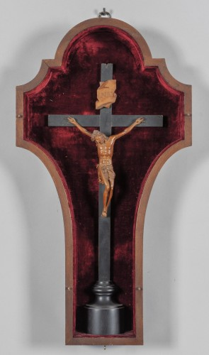 Very fine boxwood crucifix, attributed to Andrea Fantoni, late 17th century - Religious Antiques Style