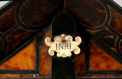 Ivory Christ within tortoiseshell veneered tabernacle, late XVIi century -