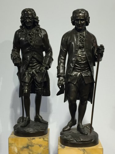 Early 19th century bronze figure of Voltaire and Rousseau - Sculpture Style