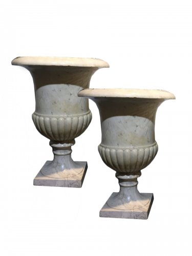 "Pair of large ""Medicis"" vases in Carrara marble."