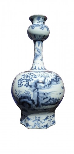 Late 17th century Delft vase