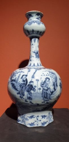 Late 17th century Delft vase -
