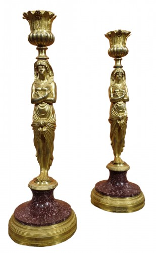 Pair of candlesticks in gilt bronze and porphyry