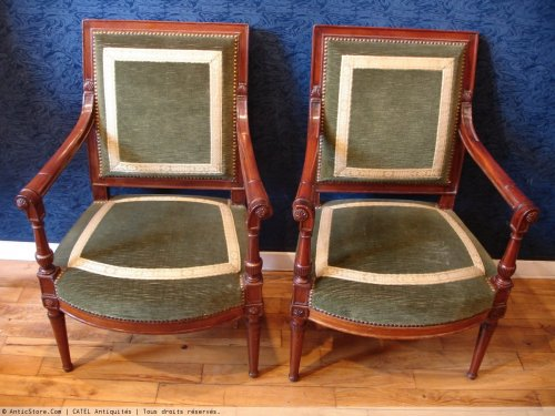 A Directoire (1795-1799) period pair of mahogany armchairs from the saint cloud castle. stamped jacob. 18th century. - Directoire
