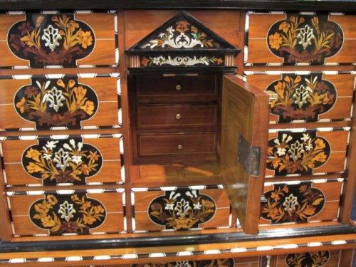 17th century - A dutch cabinet