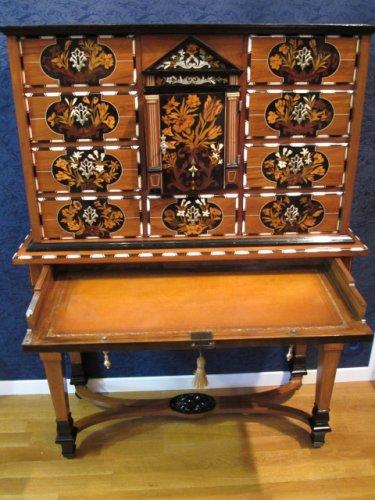 - A dutch cabinet