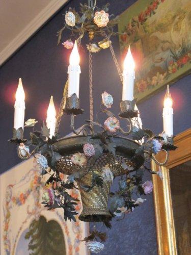 A Napoleon III period (1848 - 1870) chandelier - flower basket