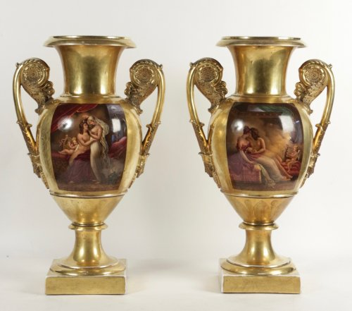 A pair of early 19th century Paris Porcelain gold-ground vases