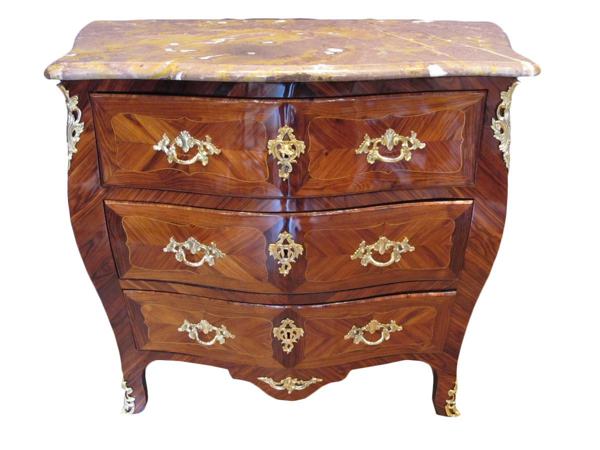 commode d 39 poque louis xv xviiie si cle. Black Bedroom Furniture Sets. Home Design Ideas