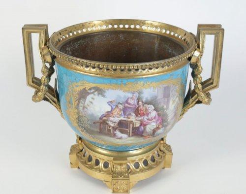 A Sèvres porcelain Cachepot - Decorative Objects Style