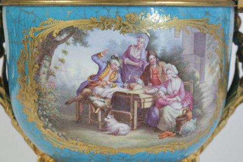 Decorative Objects  - A Sèvres porcelain Cachepot