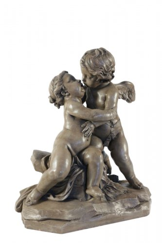 Putti embracing
