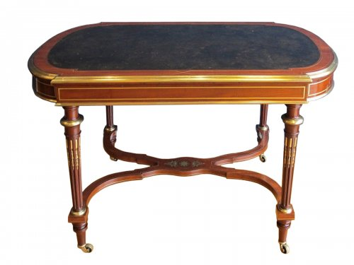 A Napoleon III period guéridon, Inventory stumps of Mobilier National