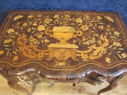 A Dutch writing desk, 18th century - Furniture Style