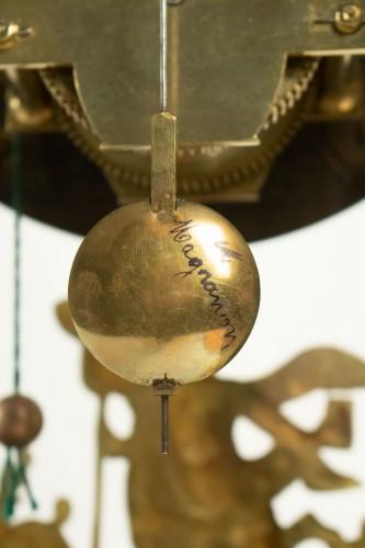 A Louis XV green horn bracket clock - Louis XV