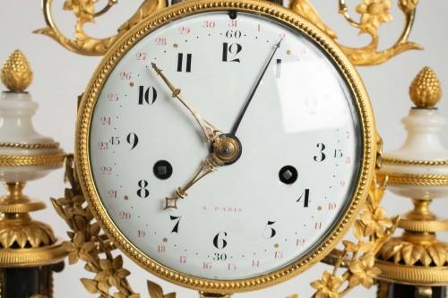A Louis XVI portico clock - Clocks Style Louis XVI