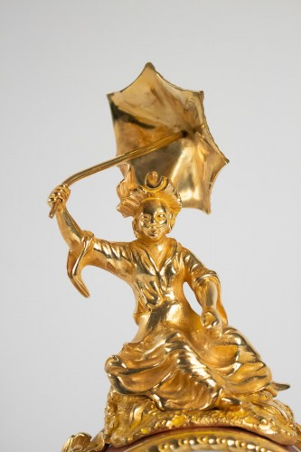 "A gilt bronze clock ""à l'éléphant"". - Clocks Style"