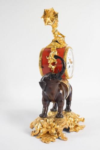 "19th century - A gilt bronze clock ""à l'éléphant""."
