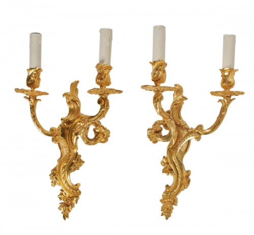 A Pair of Louis XV style wall lights