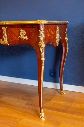 19th century - A Louis XV style writting desk