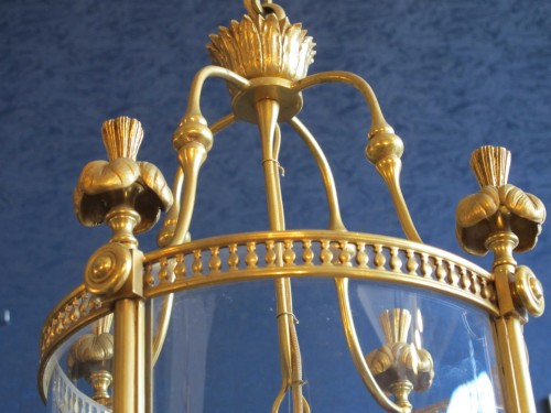 A 19th century lantern. - Lighting Style