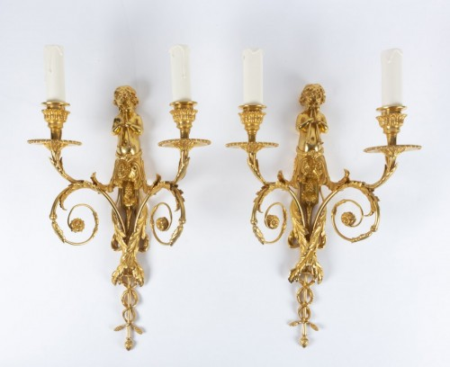 Antiquités - A Pair of bronze wall lights