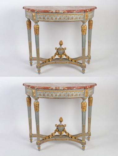 "A Louis XVI perid (1774 - 1793) paire of console tables ""demi-lune"" - Louis XVI"