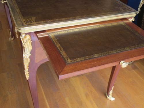 19th century - A Louis XV style desk.