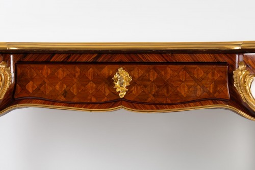 A Desk in Louis XV style. - Furniture Style