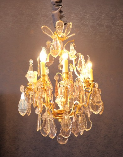 A Louis XV style chandelier.