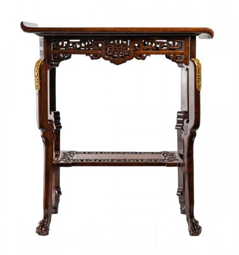 A Table signed Viardot.