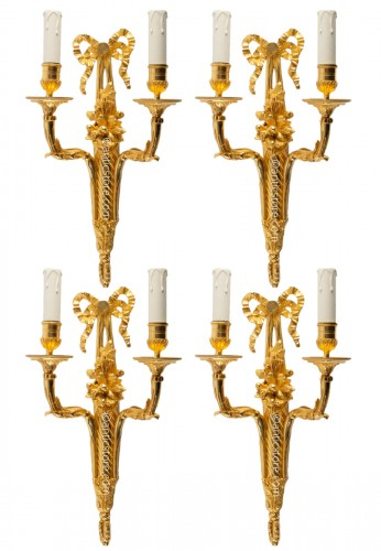 A Set of Four 19th century light walls in bronze