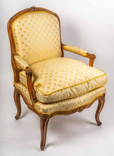 A Pair of Louis XV fauteuil - Seating Style Louis XV