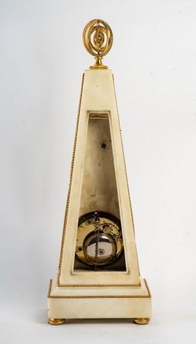 An Louis XVI Obelisk Clock - Louis XVI
