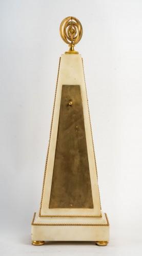 Louis XVI - An Louis XVI Obelisk Clock