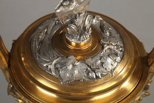 19th century - Bronze lidded vase by F Barbedienne