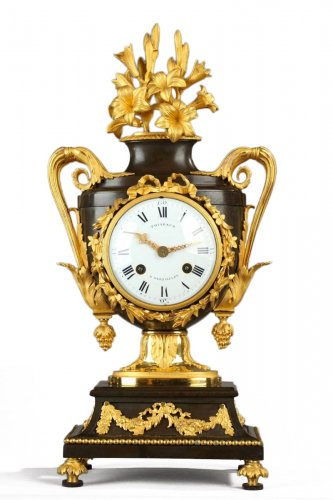 Fine Louis XVI Vase-Shaped Mantle Clock