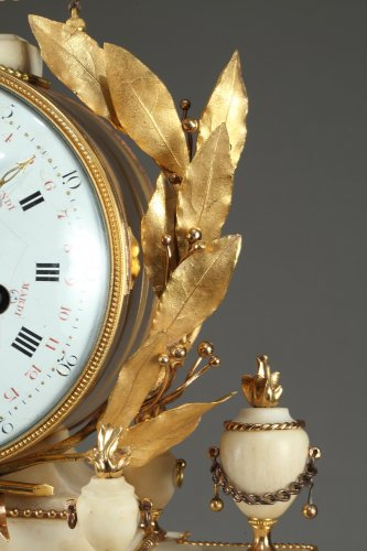 Antiquités - Large Louis XVI Temple Clock