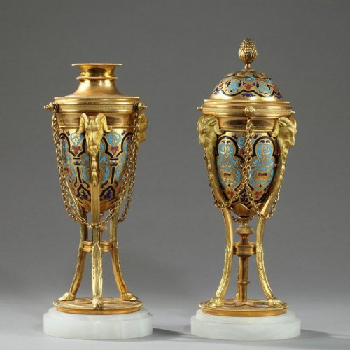 Pair of cloisonné bronze cassolettes