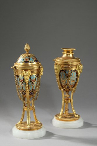 Decorative Objects  - Pair of cloisonné bronze cassolettes